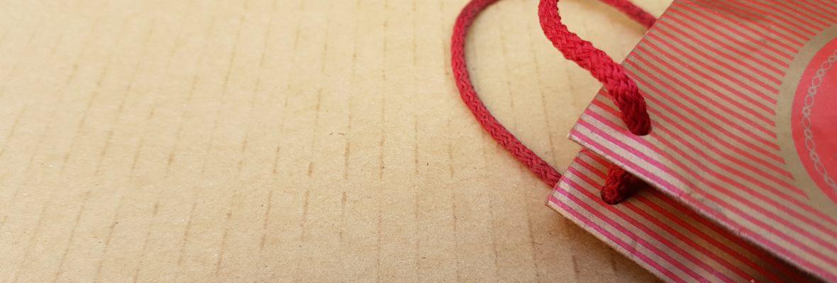 Полиестерен шнур за дрехи и торбички